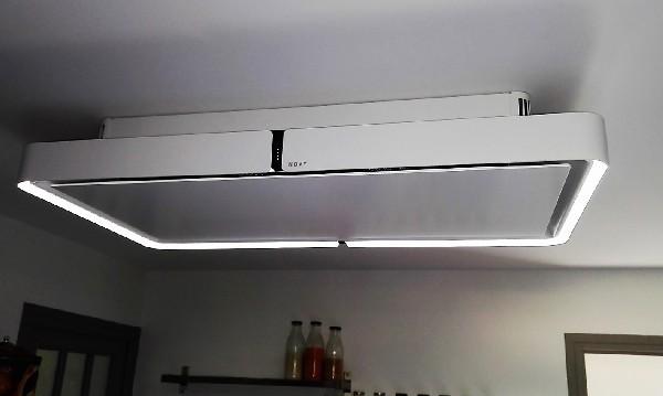 Hotte Novy Cloud, nouveauté 2016, la seule hotte à recyclage qui se fixe au plafond et qui sait se faire discrète (17.4cm de hauteur et bruit quasi inexistant) - monprojetcuisine.fr est partenaire premium pour la distribution de la gamme sélective novy.